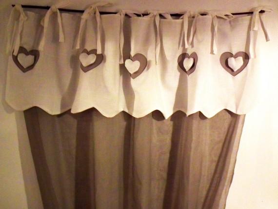 rideau voilage taupe coeurs blancs simla. Black Bedroom Furniture Sets. Home Design Ideas